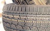 Pila de neumáticos — Foto de Stock