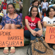 Filipino Protesters Hold Signs at Anti-Pork Protest — Stock Photo