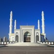 """Mosque """"Hazret Sultan"""" in the early morning hours. Astana. Kazak — Stock Photo"""