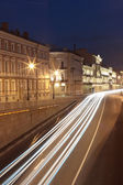 Ehicular traffic in the old city of night — Stock Photo