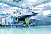 Operating room with modern equipment. — 图库照片