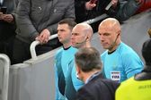 Chief referee Howard Webb. will act in the role of referee Darren Cann and Michael Mullarkey and Stephen Child — Stock Photo