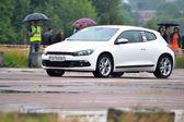 Motoristas não identificadas durante o campeonato de corridas de arrancada — Fotografia Stock