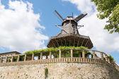 Stary wiatrak w sanssouci park, poczdam, niemcy, europa — Foto Stock