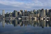 Vancouver downtown and marina — Stock Photo