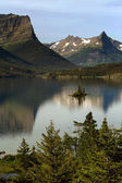 Saint Mary Lake — Stock Photo