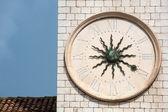 старые средневековые часы — Стоковое фото