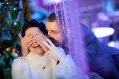 Groom closing eyes to bride — Stock Photo