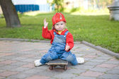 Child on the skateboard — Stock Photo