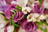 Bouquet and rings — Stock Photo