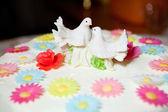 Birds on the cake — Stock Photo