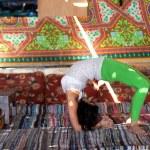 Girl doing yoga indoors — Stock Photo #41188331