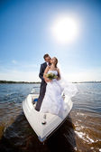 Wedding couple on the yacht — Foto de Stock