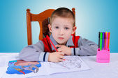 Child learns to write — Stock Photo