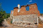 Old abandoned Greek, Turkish village of Doganbey, Turkey — Stockfoto