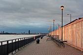Promenade on the River Mersey, Liverpool, UK. — Stock Photo
