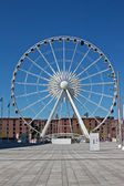 Large ferris wheel at Albert Dock, Liverpool UK — Stock Photo