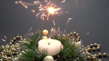 Fuegos artificiales y velas decoración — Vídeo de stock