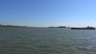 Ferry crossing the Danube River — Stock Video