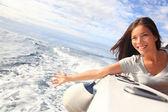 Kobieta łódź — Zdjęcie stockowe