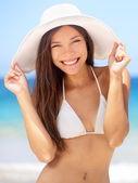 Happy young woman beach portrait — Stock Photo