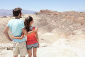 Death Valley tourists in California enjoying view — Stok fotoğraf
