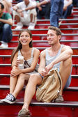 Dating multiracial tourist couple in New York — Stock Photo