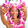 Hawaii woman showing flower lei garland — Stok fotoğraf