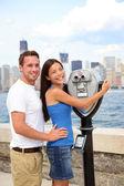 Toeristen koppel - toerisme new york, verenigde staten — Stockfoto