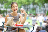 Young business woman lunch break — Stock Photo