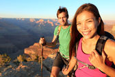 Couple hikers in Grand Canyon — Stock Photo