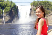 Chute Montmorency fallsquebec and woman tourist — Stock Photo