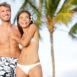 Romantic couple on happy beach travel — Stock Photo