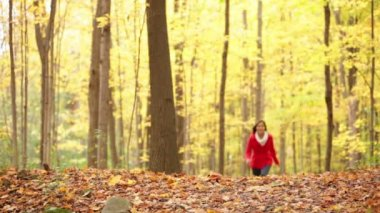 Fall woman happy running in autumn forest happy — Stock Video