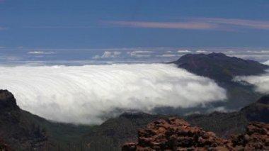 La palma paisaje con nubes, islas canarias. — Vídeo de stock