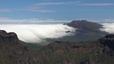 La palma paesaggio con nuvole, isole canarie. — Video Stock