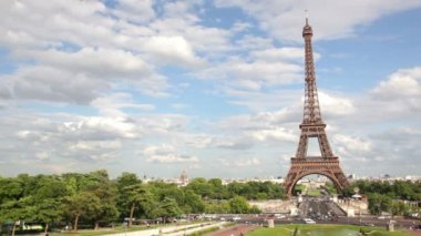 Eiffelturm in paris, frankreich — Stockvideo