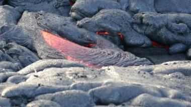 Lava - flowing lava from Kilauea volcano — Stock Video