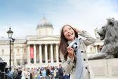 London tourist woman on Trafalgar Square — Stock Photo