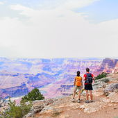Grand Canyon - people hiking looking at view — Stock Photo