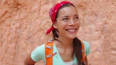 Senderismo - retrato de mujer senderista en barranca de bryce — Vídeo de Stock