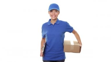 Delivery person courier delivering package — Stock Video