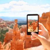 Smart phone camera taking photo, Bryce Canyon — Stock Photo
