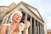 Girl eating ice cream by Pantheon, Rome, Italy — Stock Photo