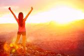 Libertà e avventura - donna felice, grand canyon — Foto Stock