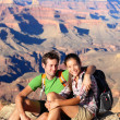 Hikers in Grand Canyon - Hiking couple portrait — Φωτογραφία Αρχείου