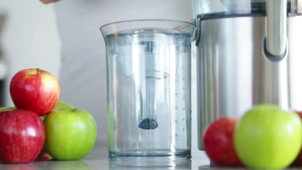 Apple Juice Maker Juicing Machine Making Apple