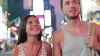 Dating couple in love, Times Square, New York City — Stock Video