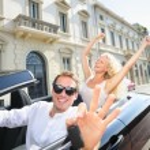 Car driver man showing car keys driving — Stock Photo
