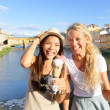 Happy women friends eating ice cream in Florence — Stock Photo #44258313